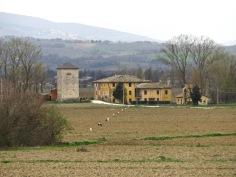 il complesso del mulino della torre di azzano visto dalla ciclovia